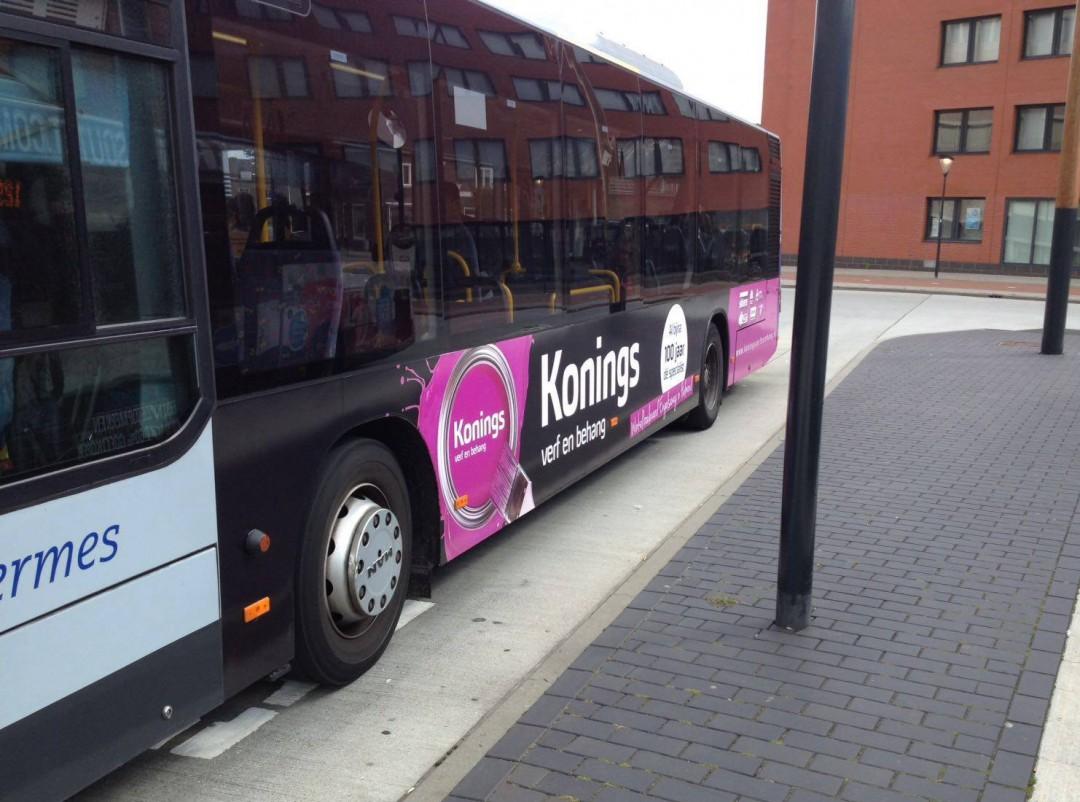Busbelettering | Konings Verf en Behang
